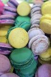 Färgrika Macarons Arkivbilder