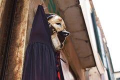 Färgrika maskeringar i Venedig Italien Royaltyfri Fotografi