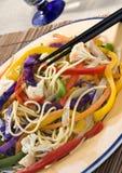 färgrika maträttgrönsaker arkivbild