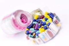 färgrika mediciner Fotografering för Bildbyråer