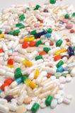 färgrika medicinpills Fotografering för Bildbyråer
