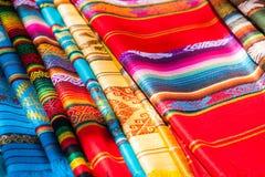 Färgrika mexicanska filtar från palenque, Mexiko Royaltyfri Bild