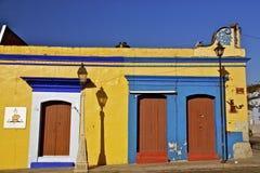 Färgrika mexikanhus royaltyfria bilder
