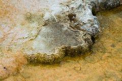 Färgrika mineraliska insättningar Arkivbilder