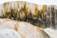 Färgrika mineraliska insättningar Royaltyfri Foto