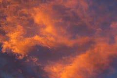 Färgrika moln Arkivfoto