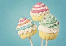 färgrika muffinpops Arkivfoto