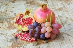 färgrika nya frukter Royaltyfria Foton