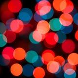 Färgrika olika färger bubblar tätt upp, trevlig bakgrund, den färgrika tapeten, färgrik bakgrund, ferier, kulaljus, suddighet l Royaltyfri Bild