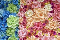 Färgrika pappers- blommor royaltyfria foton