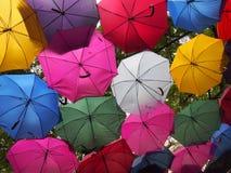 färgrika paraplyer Royaltyfri Bild