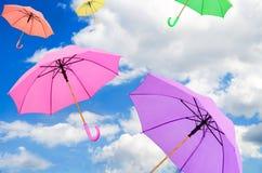 färgrika paraplyer royaltyfri foto