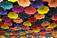 färgrika paraplyer Arkivfoton