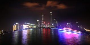 Färgrika Pearl River på natten Royaltyfria Bilder
