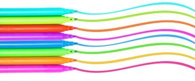 Färgrika pennor för filt för markörpennor mångfärgade Arkivbilder
