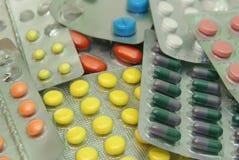 färgrika pills Fotografering för Bildbyråer