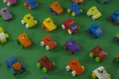 färgrika plastic toys Arkivbilder