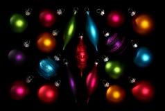 färgrika prydnadar för jul royaltyfri bild