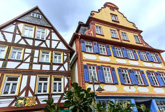 Färgrika ramhus i Butzbach, Tyskland Royaltyfri Foto
