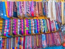 Färgrika scarves Royaltyfri Fotografi
