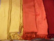 färgrika scarves Fotografering för Bildbyråer