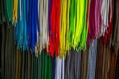 Färgrika shoelaces Arkivfoto