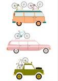 Bilar som transporterar cyklar. royaltyfri illustrationer