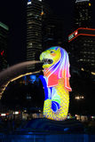 Färgrika Singapore Merlion Arkivbilder