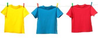 färgrika skjortor Arkivbild