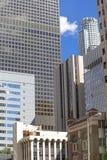 Färgrika skyskrapor och blå himmel i centrum av Los Angeles Royaltyfria Bilder