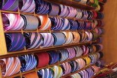 färgrika slipsar Arkivbild