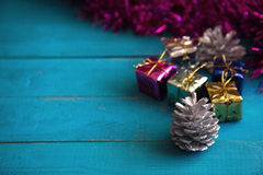 Färgrika små gåvaaskar Royaltyfri Fotografi