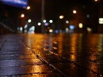 Färgrika stadsljus med bokeheffekt Royaltyfri Fotografi
