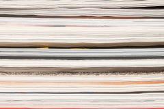 Färgrika tidskrifter up tätt Arkivfoton