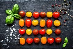 färgrika tomater Arkivfoton