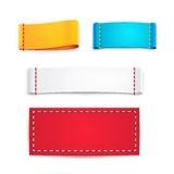 Färgrika tomma tygetiketter eller emblem Royaltyfri Fotografi