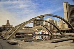 Färgrika Toronto undertecknar in Toronto, Kanada Royaltyfri Bild