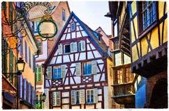 Färgrika traditionella hus av den Alsace regionen - Strasburg stad f royaltyfri fotografi