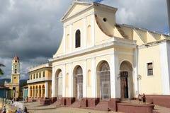 Färgrika traditionella hus i den koloniala staden av Trinidad Royaltyfria Bilder