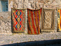 Färgrika turkiska mattor, Turkiet Royaltyfria Foton