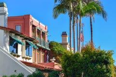 Färgrika Venedig kanaler i Los Angeles, CA arkivbild