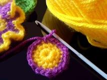 Färgrika virkningblommor Fotografering för Bildbyråer