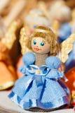 Färgrika vitryska Straw Dolls At Local Market in Arkivbild