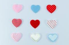 Färgrikt av hjärtor på vit bakgrund Royaltyfri Fotografi