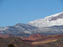 Färgrikt berg royaltyfri foto