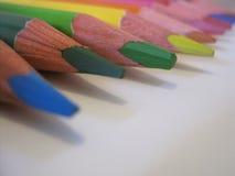 Färgrikt blyertspenna`-slut upp royaltyfri fotografi