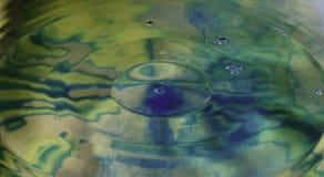 Färgrikt droppvatten Royaltyfria Foton