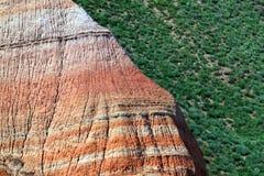 Färgrikt eroderat bergslut för regnbåge upp Royaltyfria Bilder