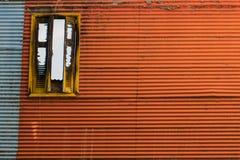 Färgrikt fönster för tappning arkivbilder