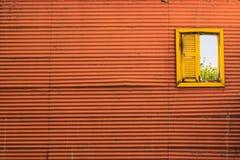 Färgrikt fönster för tappning royaltyfri bild